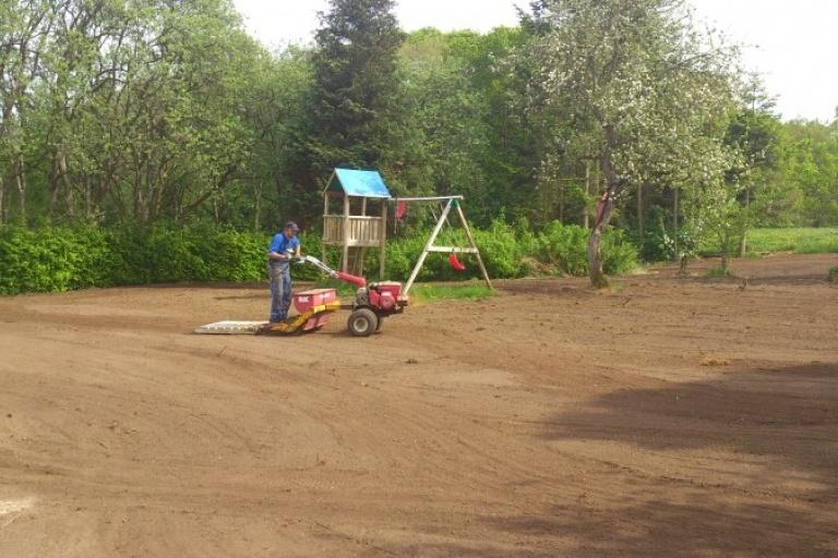 Klargøring til græsplæne