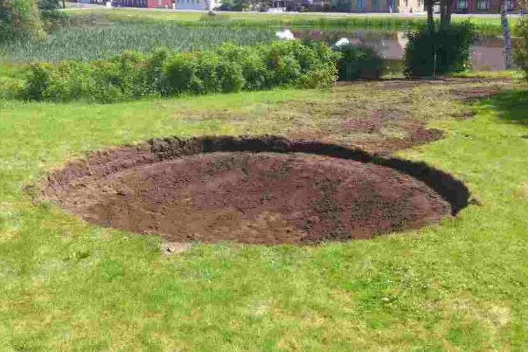 Udgravning til trampolin