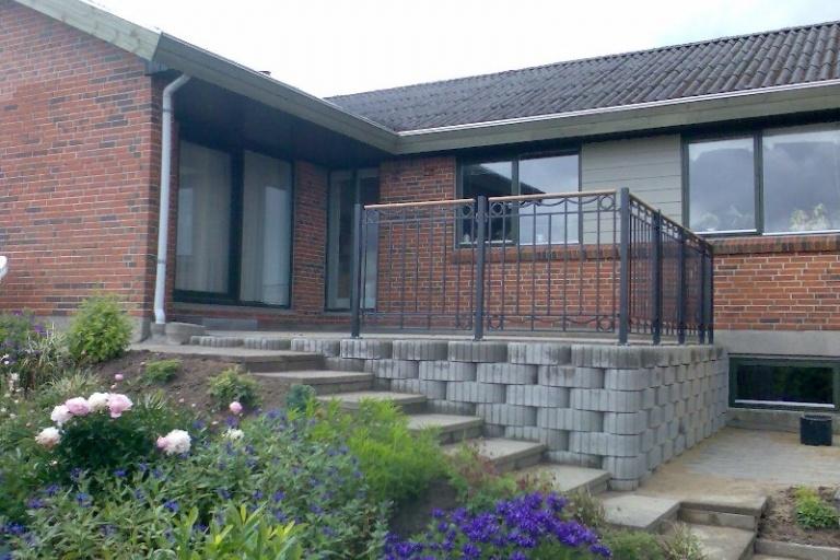 Terrasse og trappe